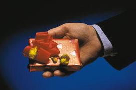 Mitarbeiter Weihnachtsgeschenke Steuerfrei.Geschenke An Mitarbeiter Und Kunden Steuerlich Absetzbar Oder